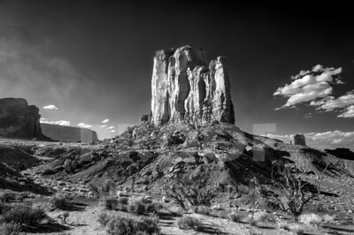 Monument Valley_9-28-19_DSC2352_720nm-BW SMUG