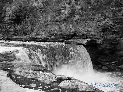 Cumberland Falls b&w IR