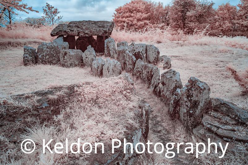 La Pouquelaye de Faldouet Dolmen in infrared