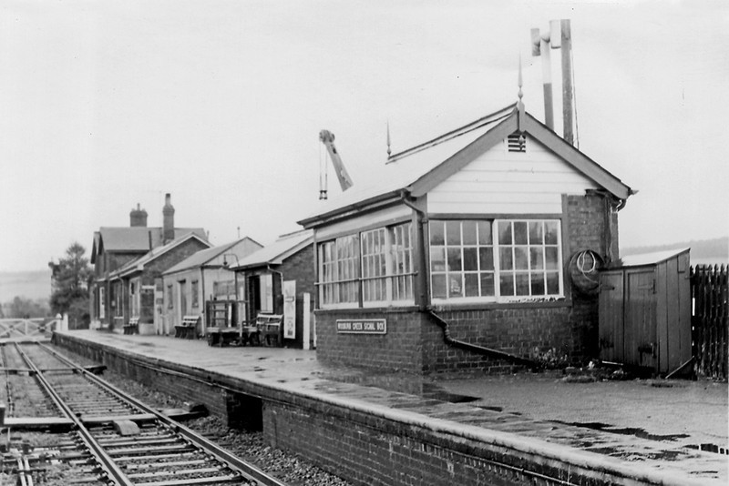 10th Feb 64:  Wooburn Green between High Wycombe and Maidenhead on the very wet winters day