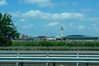 Aircraft & Air Traffic Control at Newark Liberty