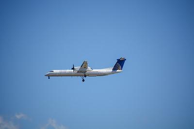 United Commuter Shuttle landing at EWR