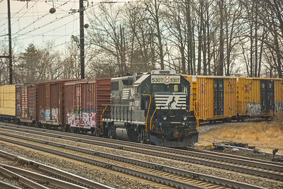 Norfolk Southern waiting to pick up
