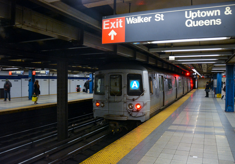 Uptown A train leaving Canal Street