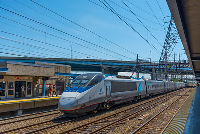 Westbound Acela Express at Bridgeport