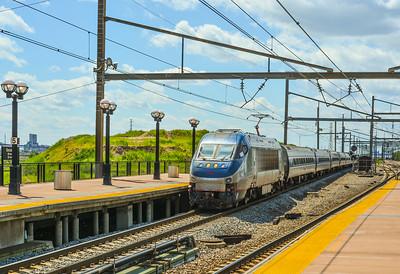 Eastbound Amtrak Hippo Entering Secaucus Junction