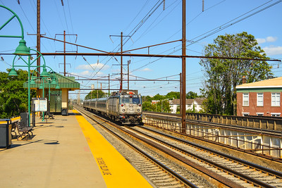 Westbound Amtrak Keystone at Rahway