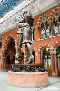 Paul Day's 9m tall bronze statue 'The Meeting Place' at London St Pancras, 16/10/2011.
