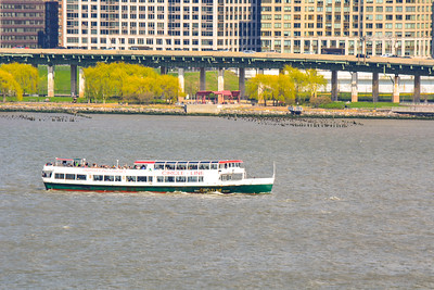 Circle Line Crusing down the Hudson