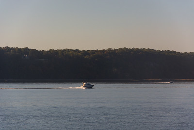 Speedy Boat on the Hudson