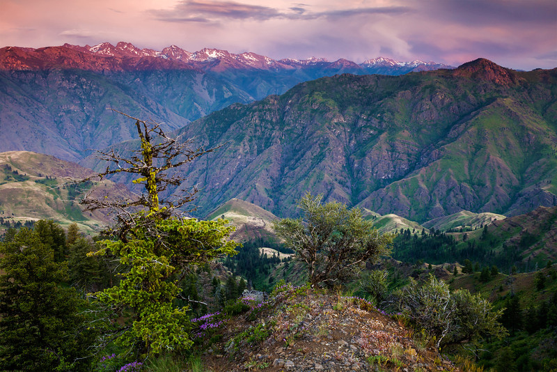 Sunset on the Seven Devils, seen from Oregon over Hells Canyon.