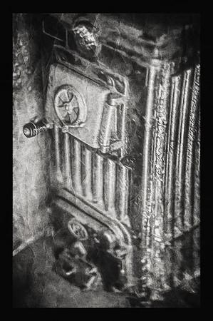 Joyful Distortion in Memory (Oven) BW