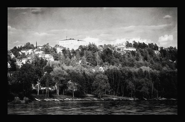 Pispala from the Lake Pyhäjärvi (Holy Lake, Tampere) BW