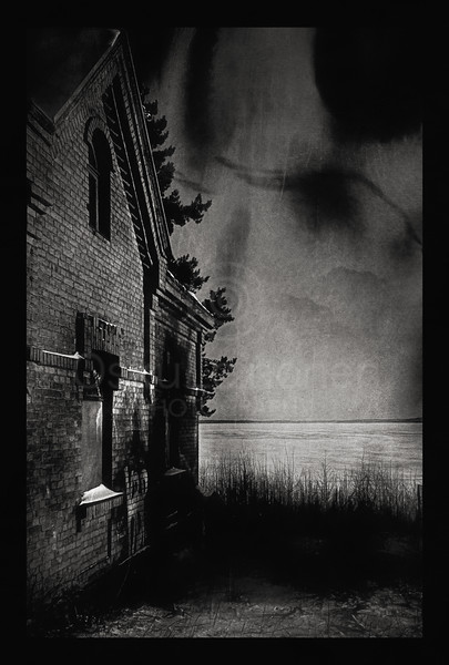 Abandoned House I BW