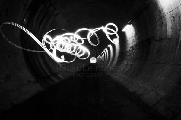 Playing Light VI (Tunnel)