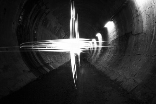 Playing Light VIII (Tunnel)