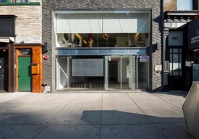 Garis & Hahn Gallery Exterior