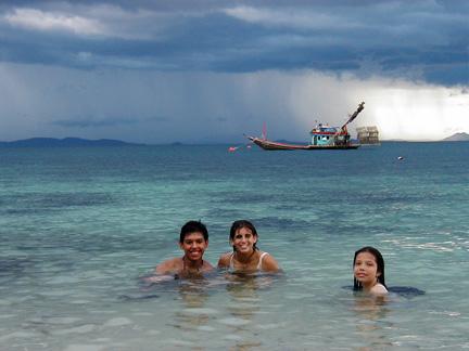 Island_swimming