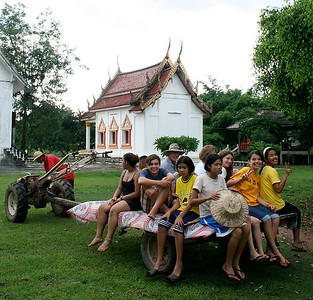 Tractor ride to Wat Pah Tao, Uttaradit