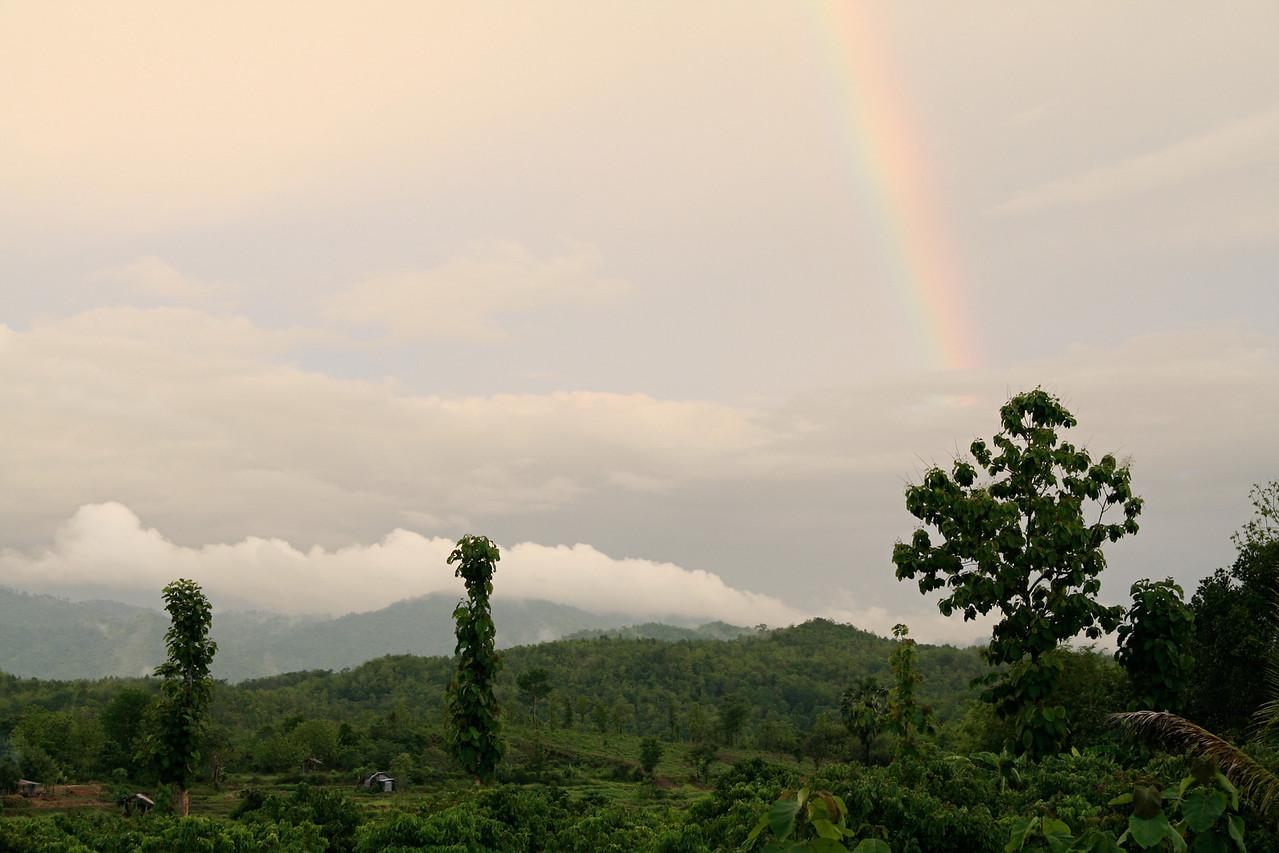 002_Rainbow_over_Pah_Leurat_6x9_300