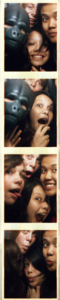 4_girls_photobooth_070329