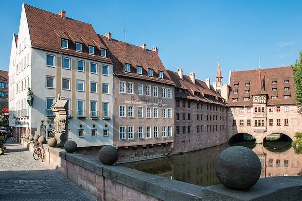 Museumsbrucke - Heilig Geist Spital. (Museum Bridge looking toward the Holy Ghost Hospital).  Nuremberg, Germany