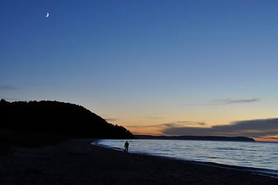 _dsc2834-sunset-vans-beach-whaleback-man-dog-20131008