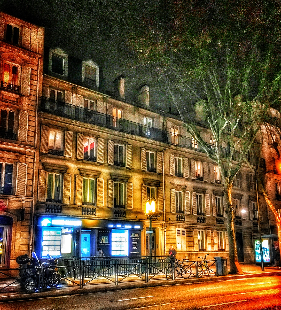 A Night In Boulogne-Billancourt