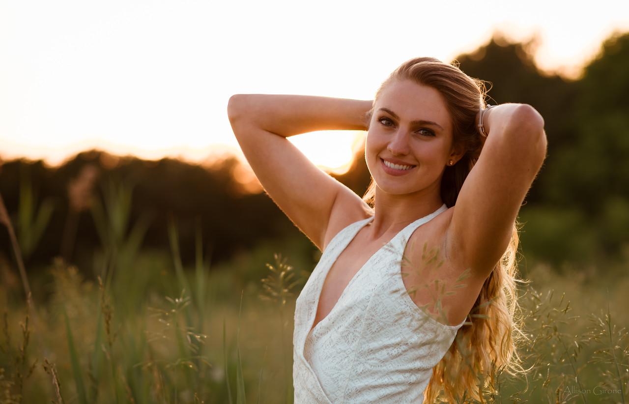 20180607_NIK2905 maria field sunset grass