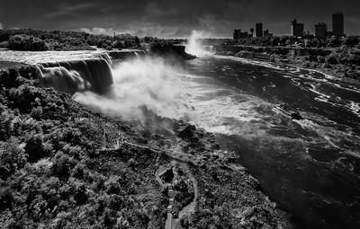 Total Niagara Pano