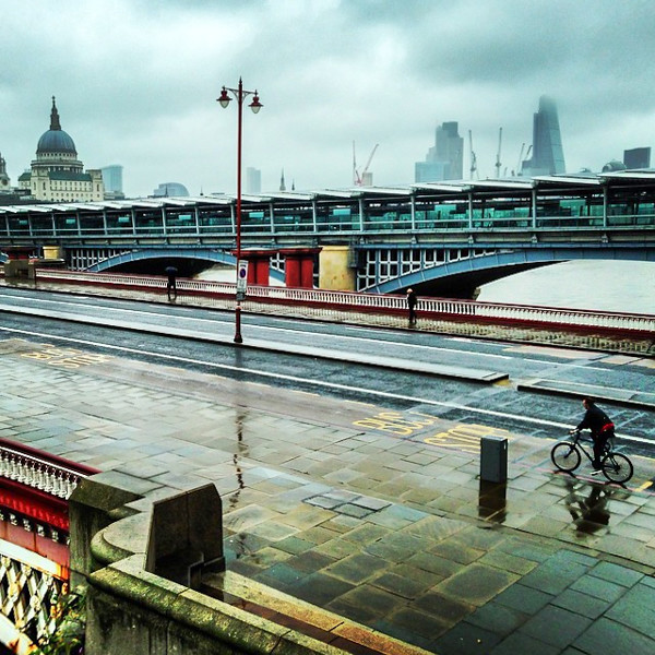 Rain on the Thames