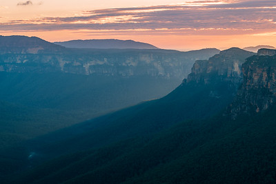 Sunrise at Evans Head Lookout, Blue Mountains