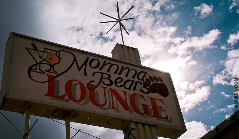Momma Bears Lounge   Reno, NV