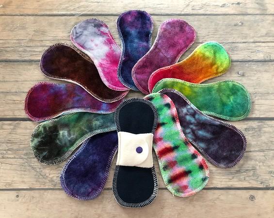 """ONE 7"""" Reusable Cloth Pad for Light Flow - Surprise Colours"""