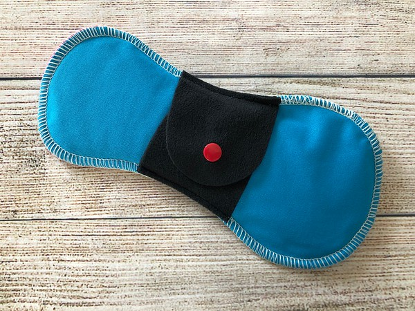 """ONE 8.5"""" Teeny Ultimate Cloth Pad for Regular Flow"""