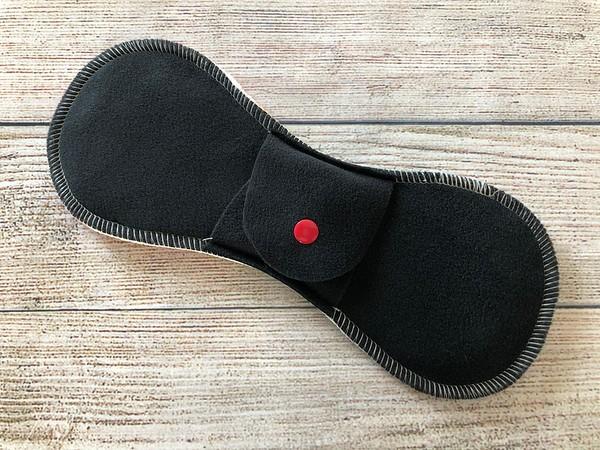 "ONE 9.5"" Contoured Reusable Cloth Pad for Regular Flow"