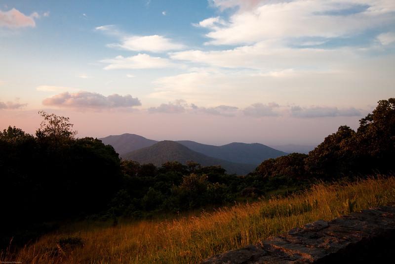 Mountains at sunrise at the Shenandoah National Park