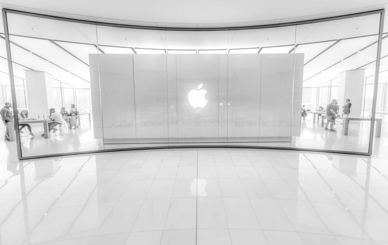 2 levels Apple store inside the mall.