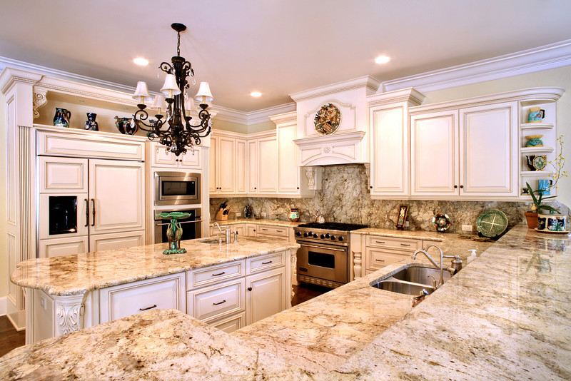 Taupe_Gold_granite_kitchen_(Winter_Park)