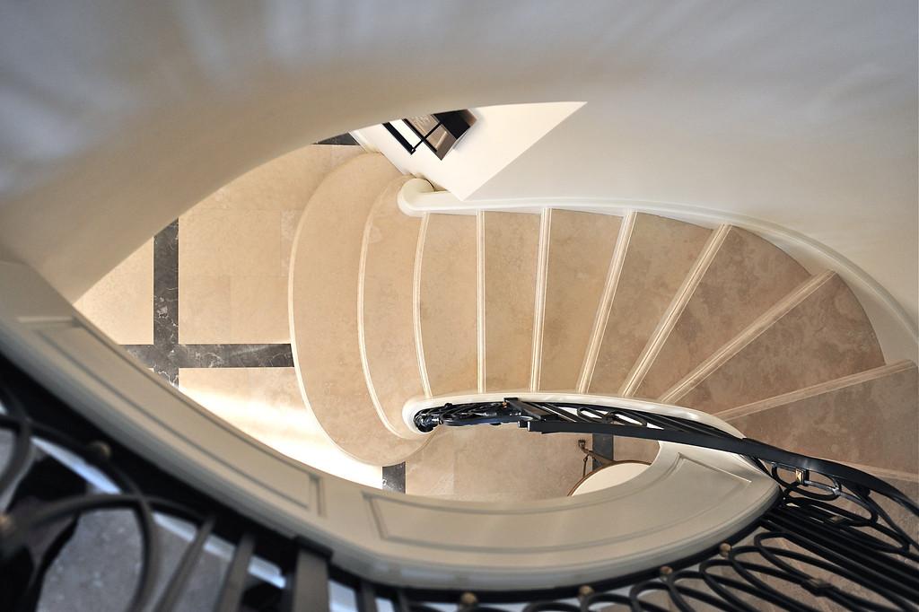 Interieurs Finnie Ward<br /> Stair by:  Didier Girard Ébéniste