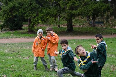 Les louveteaux scouts et guides de france et scouts musulmans de france en plein délire