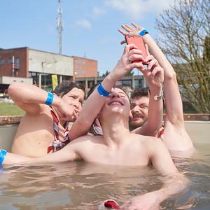 Scouts pluralistes et bain