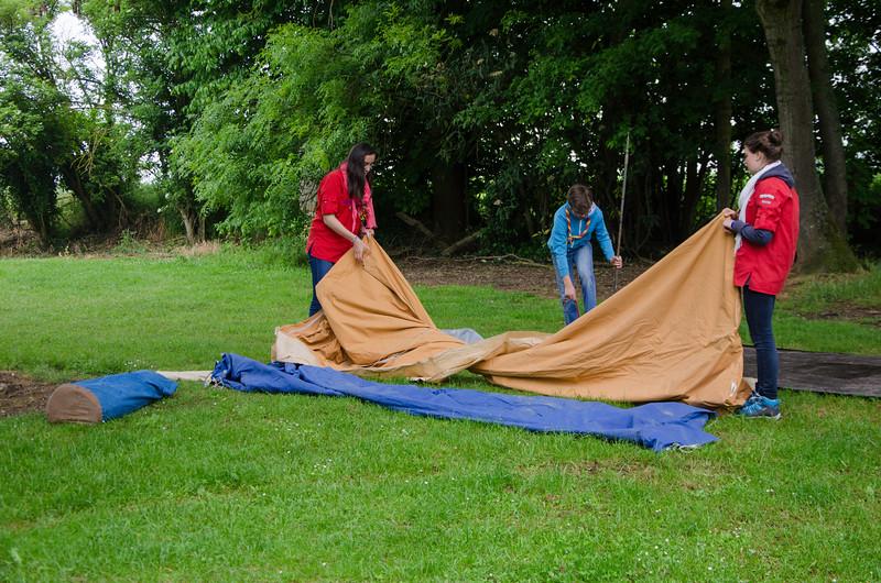 Les caravelles déplient la tente