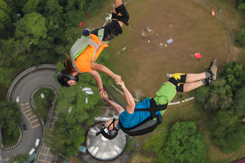 Base Jumping KL Tower