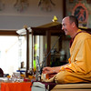 Gen Kelsang Losang leads the retreat