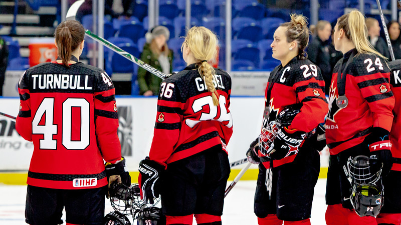 November 10, 2018 - Saskatoon, SK - Team Canada after saluting the crowd at the end of the game. Canada took the silver medal after falling to Team USA by a score of 5-2.