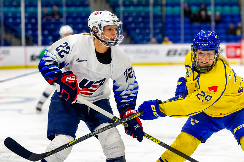 November 9, 2018 - Saskatoon, SK - Sweden and the USA National Women's Teams played each other in their final preliminary game of the Four Nations Cup. Team USA won 5-1.