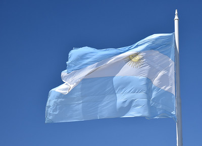 In case you had forgotten we are in Argentina, here is a nice photo of their flag.
