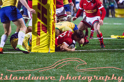 Canadian #22 Guiseppe Du Toit scores a try.
