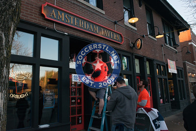 Tim Ream Visits American Outlaws NB4 Party